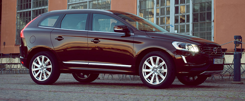 152472_Volvo_XC60_model_year_2015