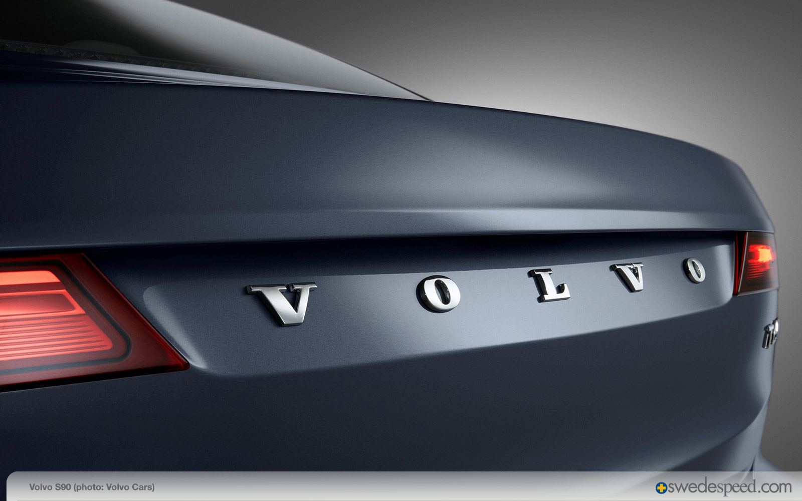 171037_Rear_Volvo_Word_mark_Volvo_S90_Mussel_Blue