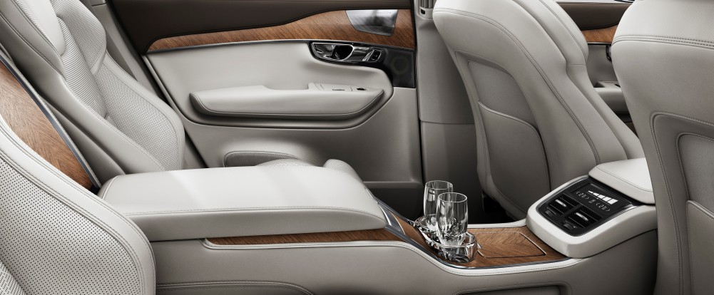 volvo xc90 excellence makes its american debut swedespeed. Black Bedroom Furniture Sets. Home Design Ideas