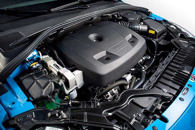 1APR16_Polestar_engine